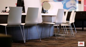 ventajas-tiene-utilizar-sillas-de-plástico